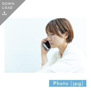 N_000930_7038_【写真素材】スマホで電話をする女性