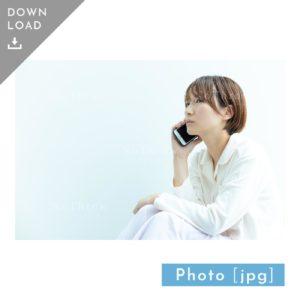 N_000930_7053_【写真素材】スマホで電話をする女性